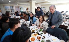 [보도자료] 삼육대 은퇴교수들, 외국인 유학생 한국 적응 돕는다
